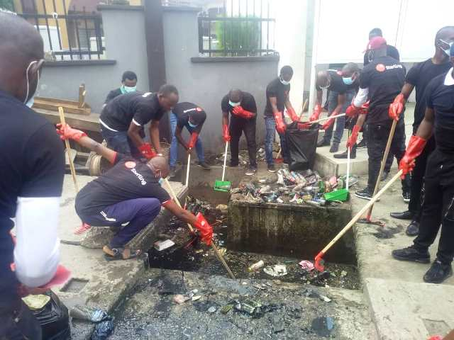Photo Report: Lagos State Waste Management Agency (LAWMA) Engages Stakeholders On World Cleanup Day - The Nigerian Voice