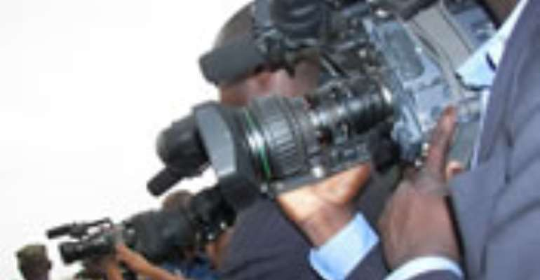 Various speakers at the second African Media Leaders Forum which began in Lagos Thursday, have called for an integration of the old and new media in presenting information to the people of the continent.