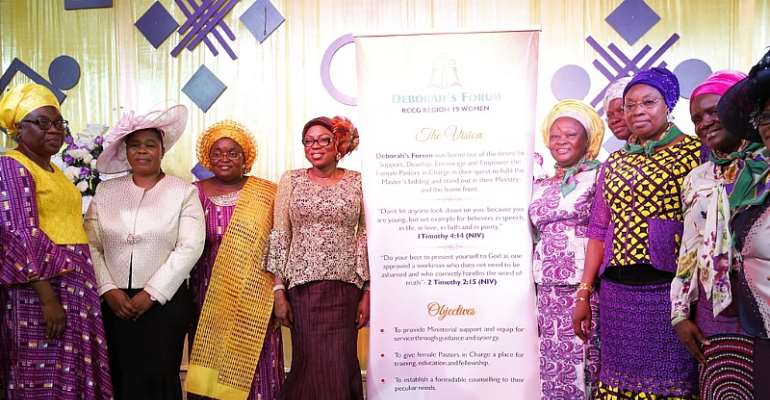 Wife of Lagos State Governor, Mrs. Bolanle Ambode (4th left); wife of the National Overseer Redemeed Christian Church of God, Pst. (Mrs.) Victoria Obayemi (3rd left); Pst. (Mrs.) Helen Oyitso (2nd left); and members of the newly inaugurated DEBO