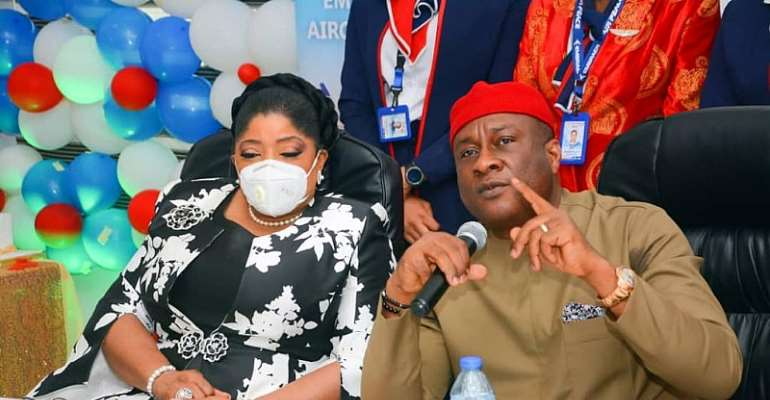 Managing Director/CEO Fidelity Bank PLC, Mrs. Nneka Onyeali-Ikpe with the Chairman, Air Peace Airlines, Mr. Allen Onyeama at the welcome ceremony  and water salute for the new Embraer aircraft of Air Peace at the Nnamdi Azikiwe Airport, Abuja recently
