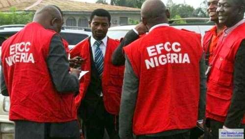 EFCC takes 7 internet fraudsters into custody after massive raid