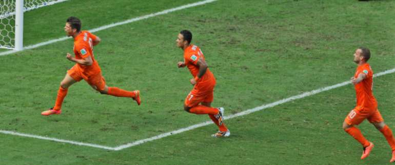 Netherlands stuns Mexico with late goals to reach World Cup quarterfinals