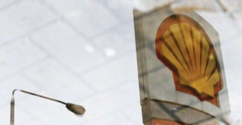 PHOTO: ROYAL DUTCH SHELL LIKE OTHER OIL MAJORS OPERATING IN THE NIGERIA IS KNOWN TO BE RESPONSIBLE FOR MILLIONS OF BARRELS OF OIL SPILLS IN THE NIGER DELTA AREA. Image: REUTERS.