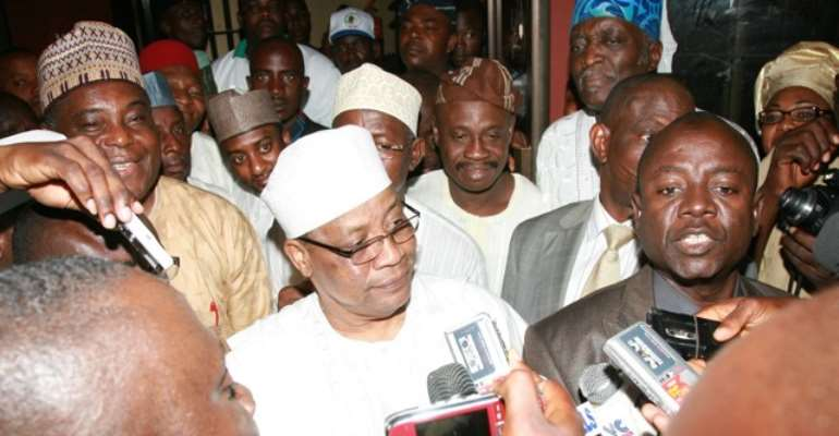 PHOTO: FORMER MILITARY DICTATOR, GENERAL IBRAHIM BABANGIDA SPEAKING TO REPORTERS AT THE PDP HEADQUARTERS AFTER THE FIRE INCIDENT THAT RAZED A PART OF THE PROPERTY RECENTLY.