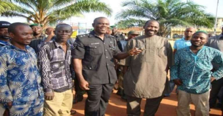 PHOTO: THE NIGERIAN JOURNALISTS WHO WERE RELEASED FROM CAPTIVITY BY THEIR KIDNAPPERS IN ABIA STATE.