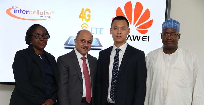 From left to right: Sarah Agha, Commercial Director Intercellular, Emad Sukker, CEO Intercellular, Tasy Jinfeng, Deputy Managing Director Huawei and Mohammed Waya, Chief Technical Officer Intercellular at an event to consolidate the partnership