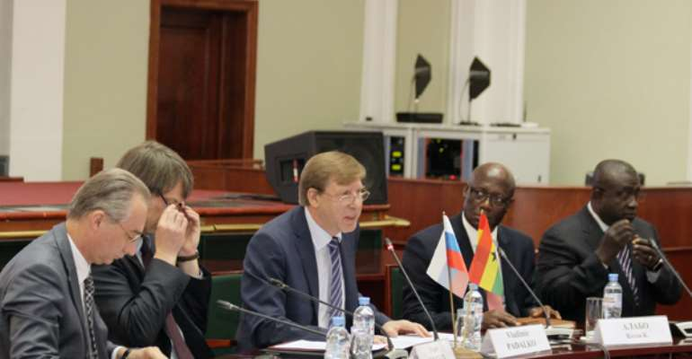 Vladimir Padalko (middle) addressing the forum with Dr Alabo sitting on his left.