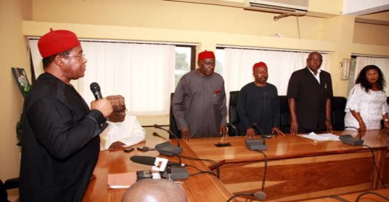 PHOTO: PDP NATIONAL CHAIRMAN, DR OKWESILIEZE NWODO (L) WITH MEMBERS OF THE NEW ANAMBRA STATE PDP CARETAKER COMMITTEE, DURING THEIR INAUGURATION AT THE PDP HEADQUARTERS IN ABUJA TODAY, AUGUST 24, 2010.