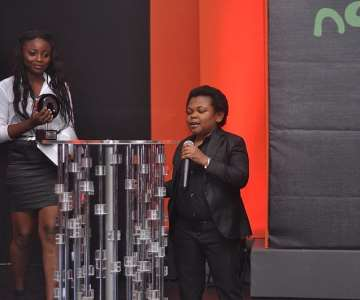 NOLLYWOOD-MOVIE-AWARDS-2012-OSITA-IHEME-PRESETING-THE-AWARD-FOR-THE-BEST-RISING-STAR-MALE-ACTOR