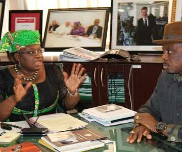 Dr. Mrs Ngozi Okonjo Iweala, Minister of Finance andCoordinating Minister of the Economy and Chief Willie Obiano, Governorof Anambra State during the Governor''s courtesy visit to the Ministryin Abuja...Thursday