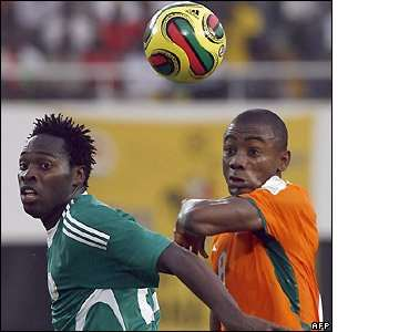 Saloman Kalou gives Nigeria's defence plenty to think about after the break as Ivory Coast start get the better of things