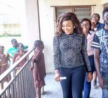 Ruth Kadiri Visits Primary School, Empowers 100 StudentS With Giftsand Inspirational Talk